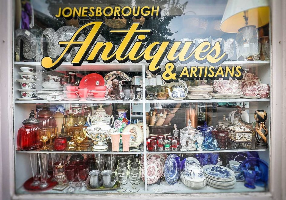 Jonesborough Antiques & Artisans